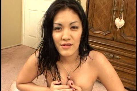 Fun Asian babe with big tits blowjob!