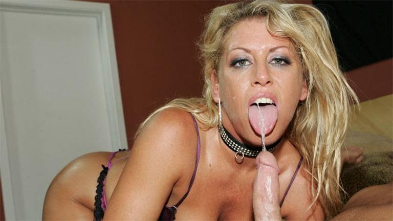 Mature whore Chelsea Zinn hardcore fucking
